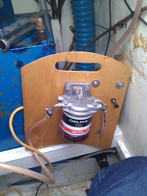 Click image for larger version  Name:CF Fuel Tank 3.jpg Views:106 Size:102.5 KB ID:69570