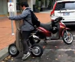 Click image for larger version  Name:Folding Electric scooter2.jpg Views:102 Size:20.1 KB ID:71468