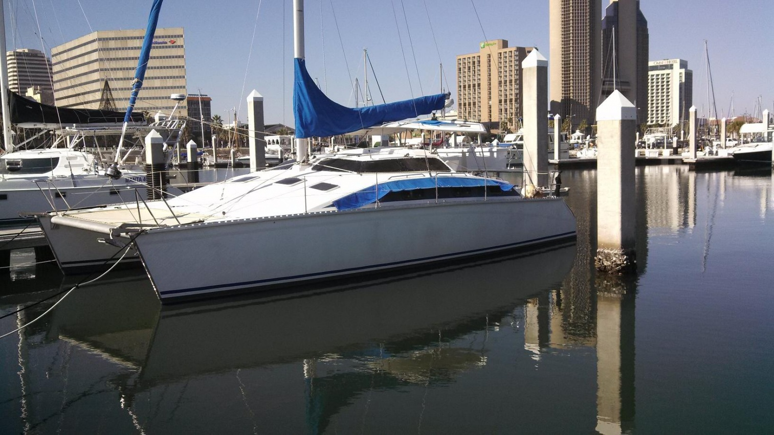 Click image for larger version  Name:Port Bow w Omni Skyline small.jpg Views:58 Size:410.4 KB ID:72215