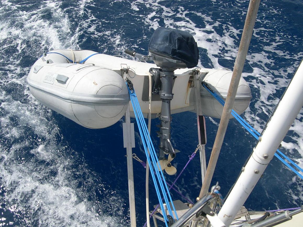 Click image for larger version  Name:dinghy hoist.jpg Views:114 Size:515.7 KB ID:7273