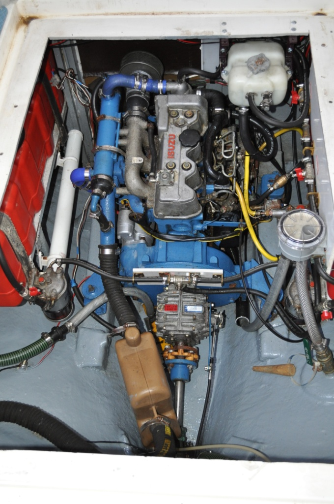 Click image for larger version  Name:Engine bay Feb 2013.JPG Views:1877 Size:258.6 KB ID:73682