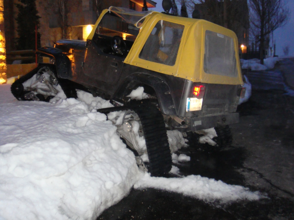 Click image for larger version  Name:jeep.JPG Views:187 Size:274.1 KB ID:7449