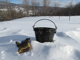 Click image for larger version  Name:Icy_bucket_2-16-14.jpg Views:127 Size:238.9 KB ID:76275