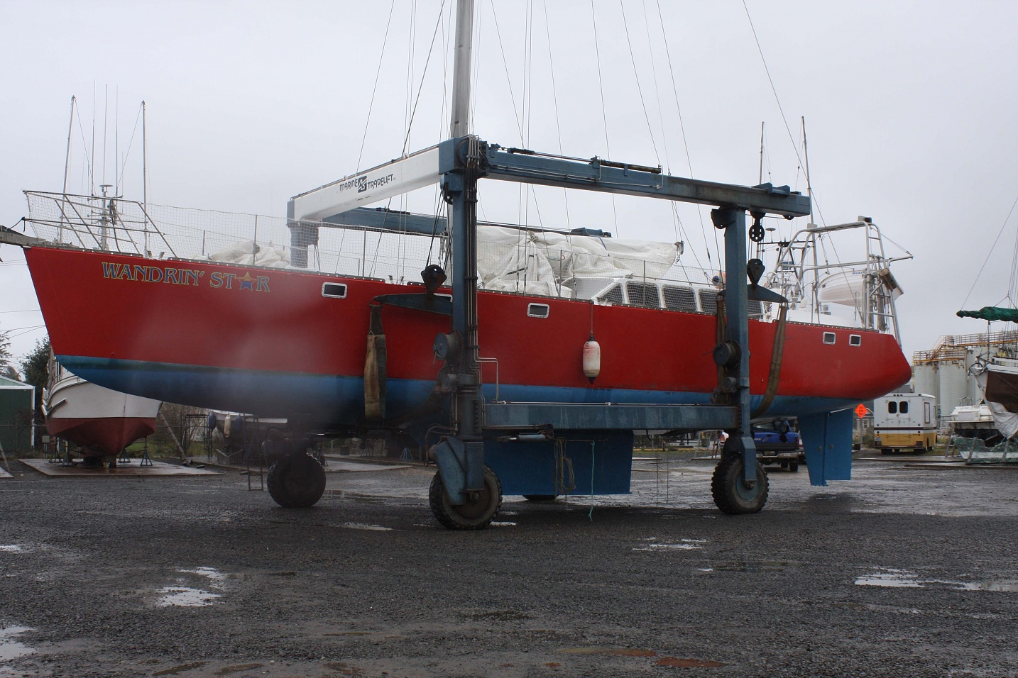 Click image for larger version  Name:Ilwaco Haul on lift 1.jpg Views:119 Size:477.9 KB ID:7789