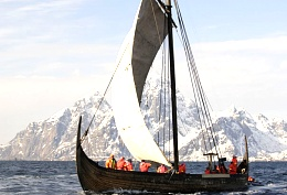 Click image for larger version  Name:longboat.jpg Views:239 Size:53.9 KB ID:78599
