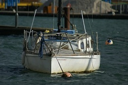 Click image for larger version  Name:Boat-1.jpg Views:164 Size:29.2 KB ID:7983