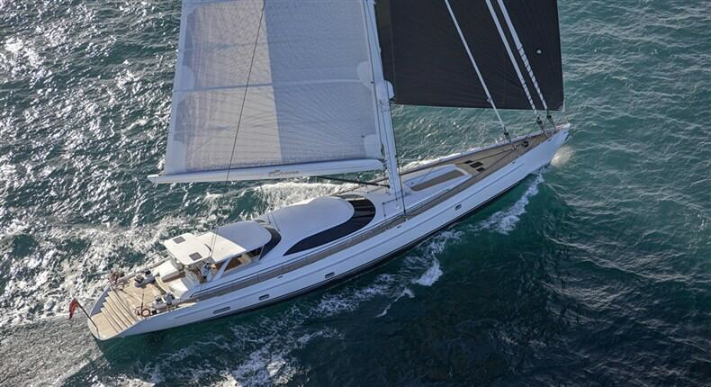 Click image for larger version  Name:Encore%20Yacht%20-%20upview[1].jpg Views:215 Size:76.7 KB ID:80382
