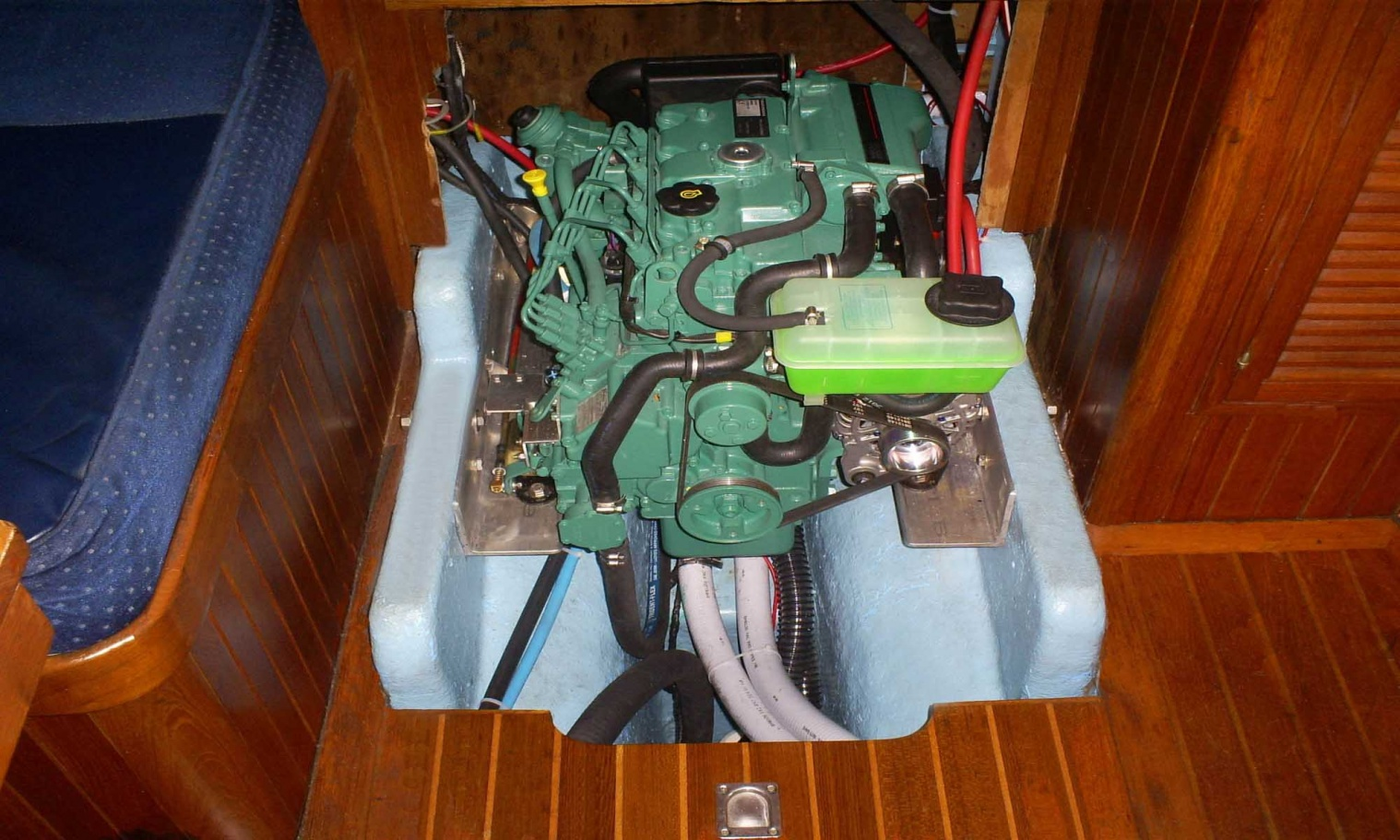 Click image for larger version  Name:ENGINE INSTALL 2 s.jpg Views:449 Size:419.7 KB ID:80400