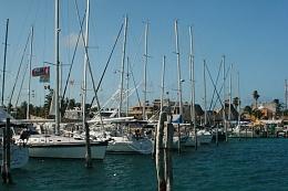 Click image for larger version  Name:Isla Mujeres Marina.jpg Views:177 Size:371.9 KB ID:8175
