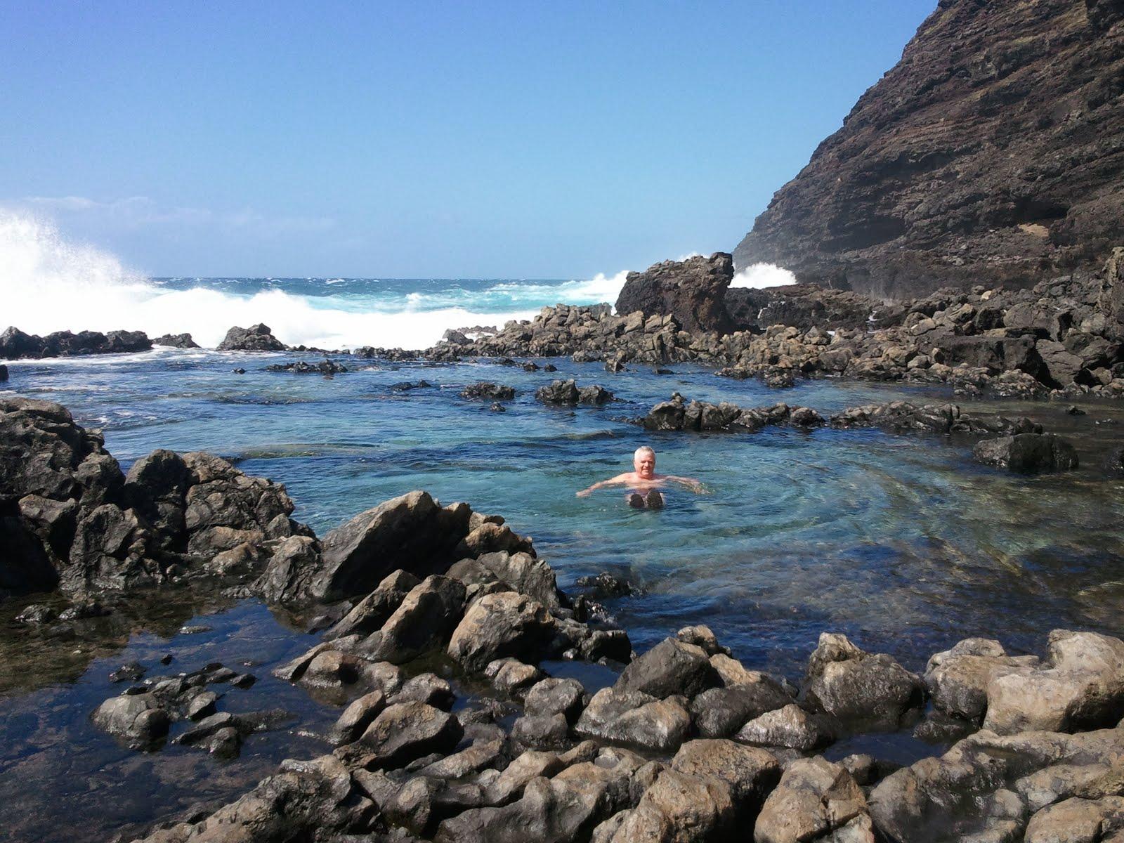 Click image for larger version  Name:Makapu'u Tidal Pool.jpg Views:114 Size:335.2 KB ID:81934