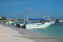 Click image for larger version  Name:The boats1.jpg Views:170 Size:369.9 KB ID:8232
