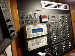 Click image for larger version  Name:power console with vent.jpg Views:553 Size:427.3 KB ID:84241