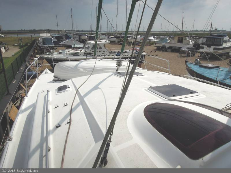 Click image for larger version  Name:autoimage-163071_BoatPic_Foredeck.jpg Views:190 Size:58.3 KB ID:85071
