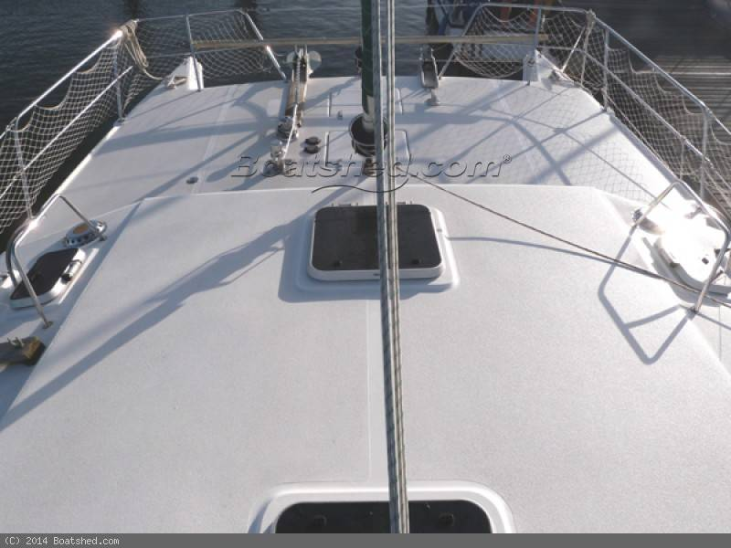 Click image for larger version  Name:autoimage-170057_BoatPic_Foredeck.jpg Views:175 Size:51.9 KB ID:85072