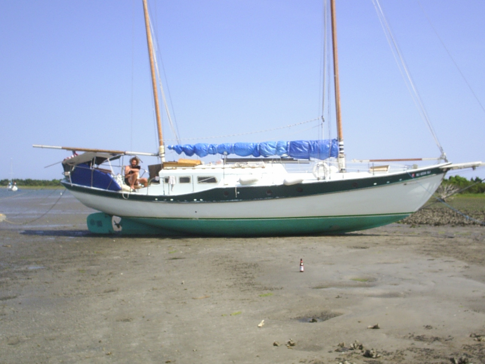 Click image for larger version  Name:kennyboat.jpg Views:211 Size:390.1 KB ID:8520