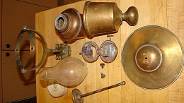 Click image for larger version  Name:oil lamps 008.jpg Views:198 Size:409.1 KB ID:85759