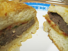 Click image for larger version  Name:Canned Cheeseburger - Actual.jpg Views:982 Size:20.2 KB ID:8594