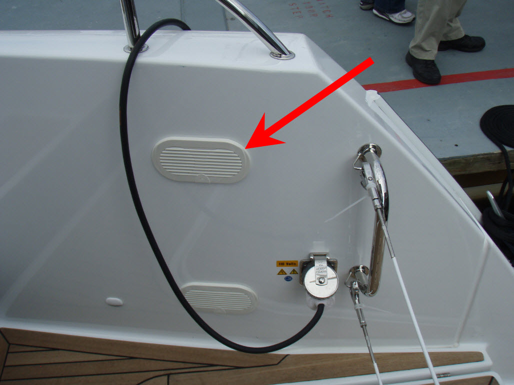 Click image for larger version  Name:rear cleat.jpg Views:198 Size:99.1 KB ID:86804