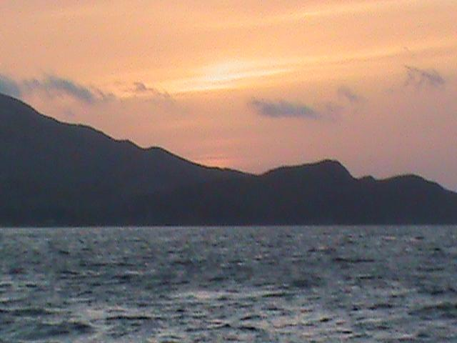 Click image for larger version  Name:Catalina Sunset 1 .jpg Views:65 Size:30.1 KB ID:89486