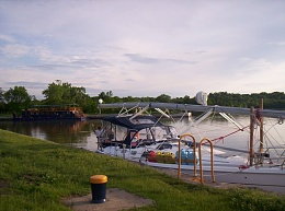 Click image for larger version  Name:Mast on Deck.jpg Views:202 Size:123.0 KB ID:8996