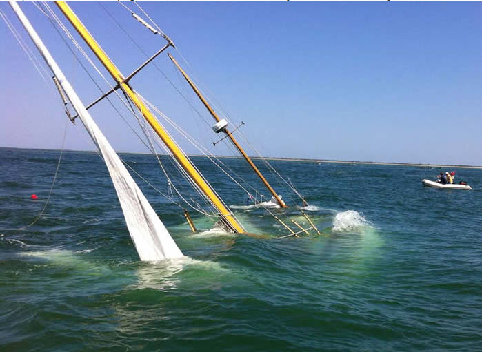 Click image for larger version  Name:Cheap sailboat.jpg Views:466 Size:73.1 KB ID:90193