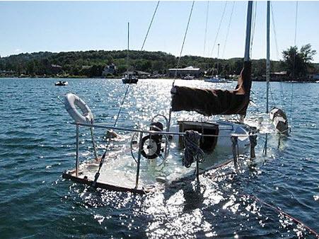 Click image for larger version  Name:Cheap sailboat 2.jpg Views:171 Size:67.0 KB ID:90195