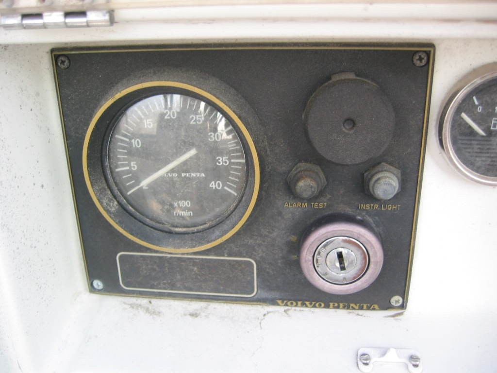 Click image for larger version  Name:instrument panel.JPG Views:121 Size:160.9 KB ID:9084