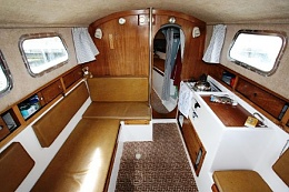 Click image for larger version  Name:Westerly Centaur 26 1978 UK 4 saloon.jpg Views:454 Size:52.9 KB ID:91160
