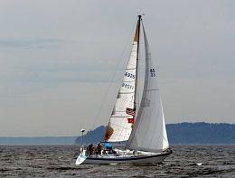 Click image for larger version  Name:Wauquiez Pretorian 35 Sailing 4.jpg Views:236 Size:27.7 KB ID:91232