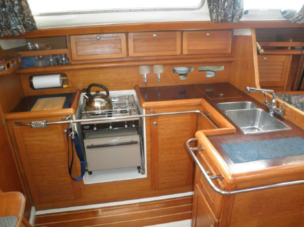 Click image for larger version  Name:Westerly Typhoon 37 1991 galley 2.jpg Views:160 Size:49.4 KB ID:91307