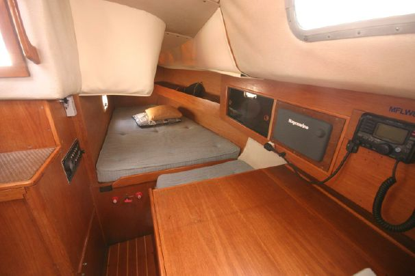 Click image for larger version  Name:Westerly Fulmar 31 1986 $52K 4 quarter.jpg Views:161 Size:31.5 KB ID:91315
