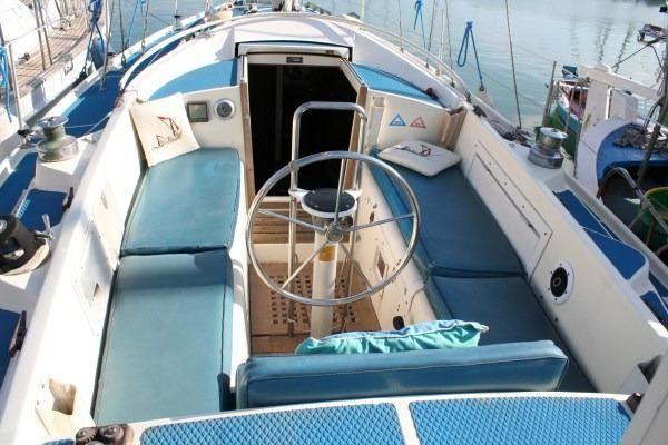 Click image for larger version  Name:Westerly Conway 36CC 1979 $47K  CC.jpg Views:196 Size:51.0 KB ID:91357
