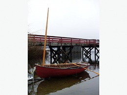 Click image for larger version  Name:Dinghy at Shawnigan Dock.jpg Views:161 Size:25.9 KB ID:91367