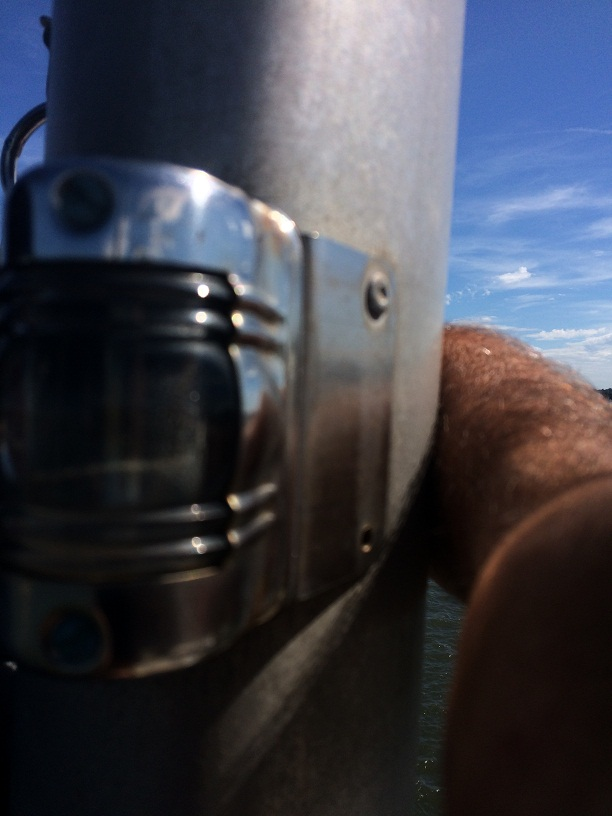 Click image for larger version  Name:Steaming light on mast.JPG Views:88 Size:116.3 KB ID:92858
