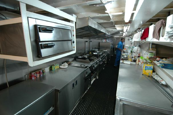 Click image for larger version  Name:kitchen.jpg Views:195 Size:45.8 KB ID:92865