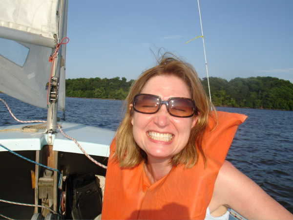 Click image for larger version  Name:leslie on boat.jpg Views:111 Size:121.5 KB ID:9354