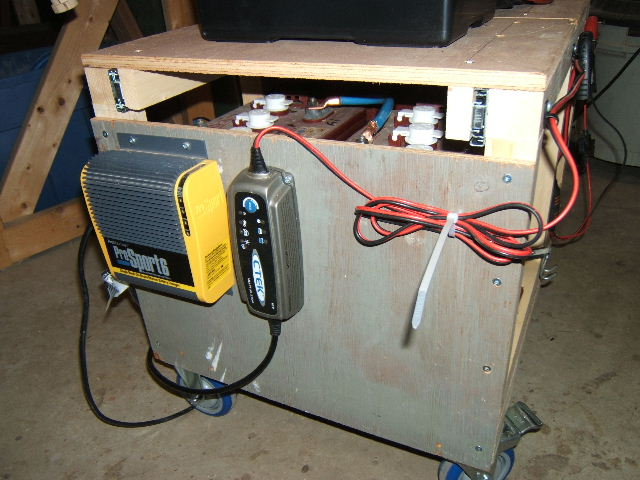Click image for larger version  Name:battery cart 005.jpg Views:102 Size:75.3 KB ID:93777