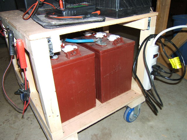 Click image for larger version  Name:battery cart 006.jpg Views:97 Size:80.3 KB ID:93778