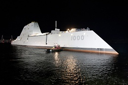 Click image for larger version  Name:USS_Zumwalt_(DDG-1000)_at_night.jpg Views:426 Size:396.1 KB ID:93971