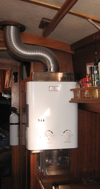 Click image for larger version  Name:H2O heater.jpg Views:137 Size:57.9 KB ID:94323