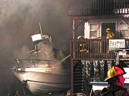 Click image for larger version  Name:boat-explosion18.jpg Views:111 Size:420.7 KB ID:96696