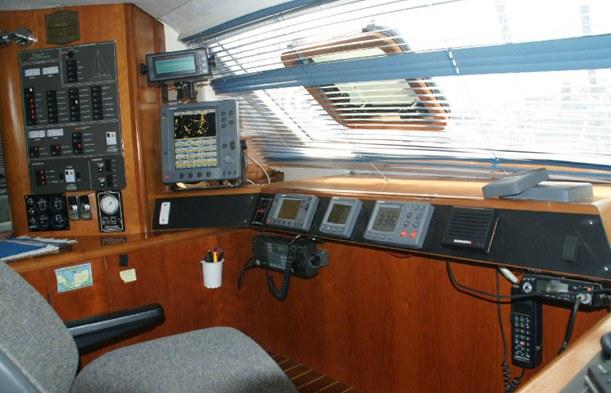 Click image for larger version  Name:Bridge Navigation Instruments2.jpg Views:516 Size:93.3 KB ID:9736