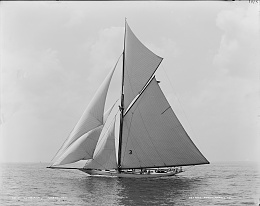 Click image for larger version  Name:Sloop_Gloriana.jpg Views:312 Size:401.5 KB ID:97456
