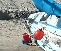 Click image for larger version  Name:foredeck.jpg Views:402 Size:371.6 KB ID:97773