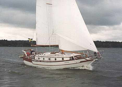 Click image for larger version  Name:Roberts Spray 36 Sailing.jpg Views:88 Size:14.9 KB ID:97983