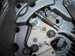 Click image for larger version  Name:3. Brush holder an voltage regulator, before mofication.jpg Views:184 Size:433.0 KB ID:9836
