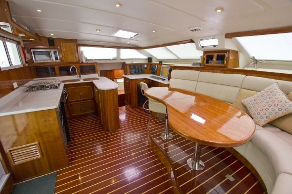 Click image for larger version  Name:Good interior layout on St francis 48.jpg Views:1236 Size:48.7 KB ID:98832