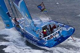 Click image for larger version  Name:3Headsails.jpeg.jpg Views:107 Size:118.6 KB ID:99062