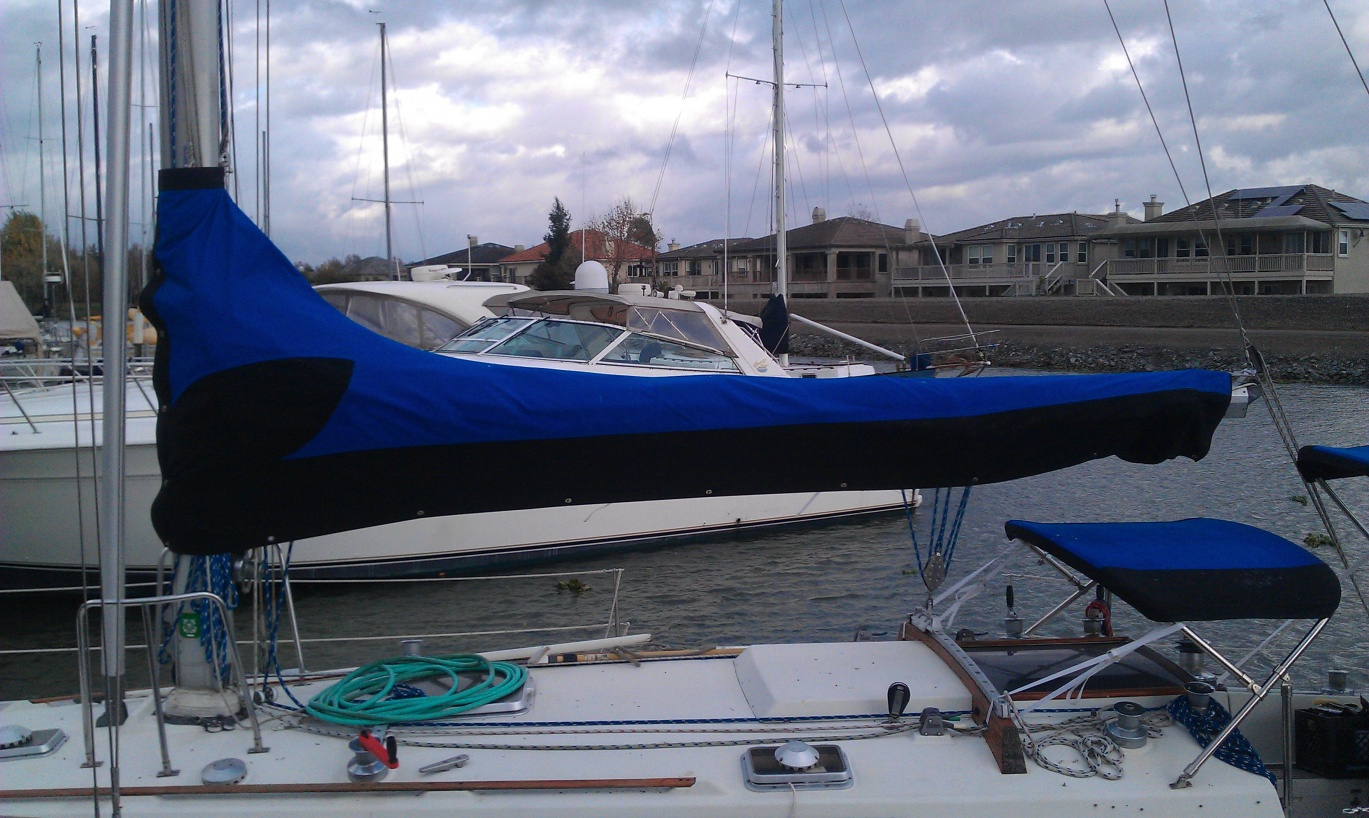Click image for larger version  Name:sailcover.jpg Views:119 Size:409.5 KB ID:99382