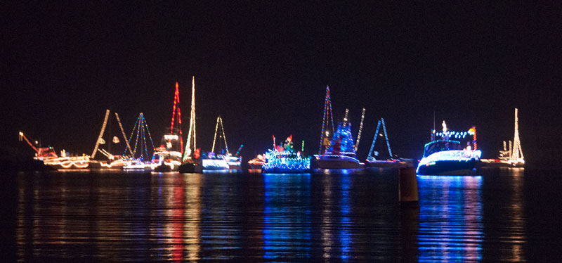 Click image for larger version  Name:Anchor Lights DanaPointBoatParade.jpg Views:142 Size:67.4 KB ID:99720